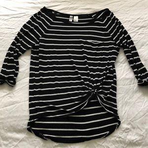 Divided striped pocket shirt